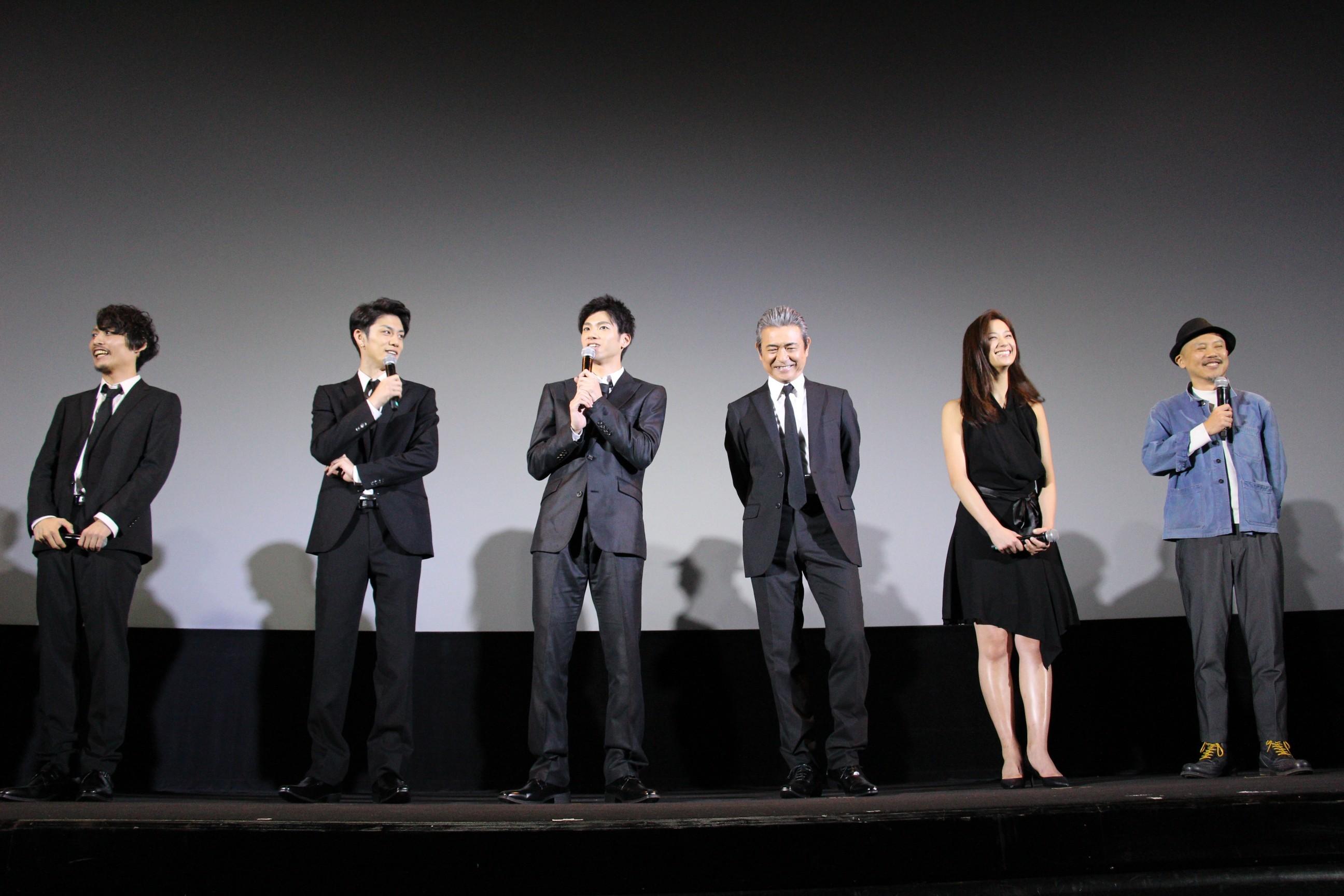 左から、ジェントル、青木玄徳、山田裕貴、升毅、高橋ユウ、元木隆史監督