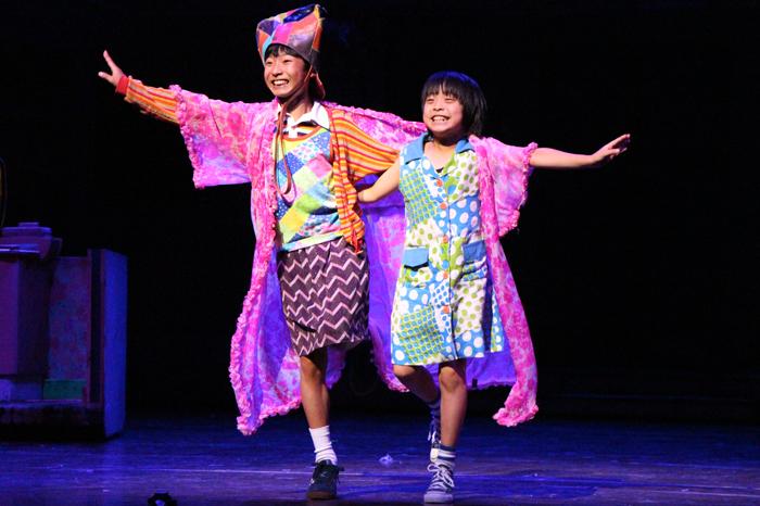 (左から)ビリー役の未来和樹、マイケル役の持田唯颯