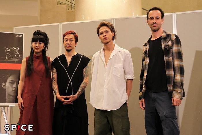(左から)TOKIE、中村達也、上田竜也、ホフェッシュ・シェクター