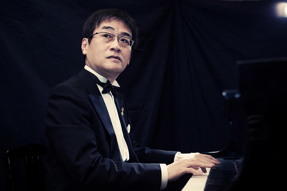 田中公平(MC・ピアノ・ボーカル)