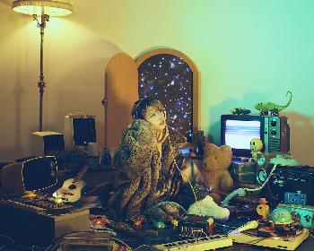 ロザリーナ、最新ミニアルバム『ロザリーナⅡ』に収録の楽曲「長い夜」のミュージックビデオを公開