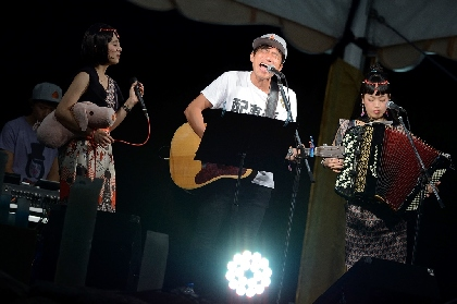 桜井和寿がチャラン・ポ・ランタンのステージに登場!「くるみ」などをセッション