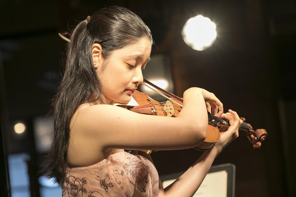鈴木舞(ヴァイオリン)