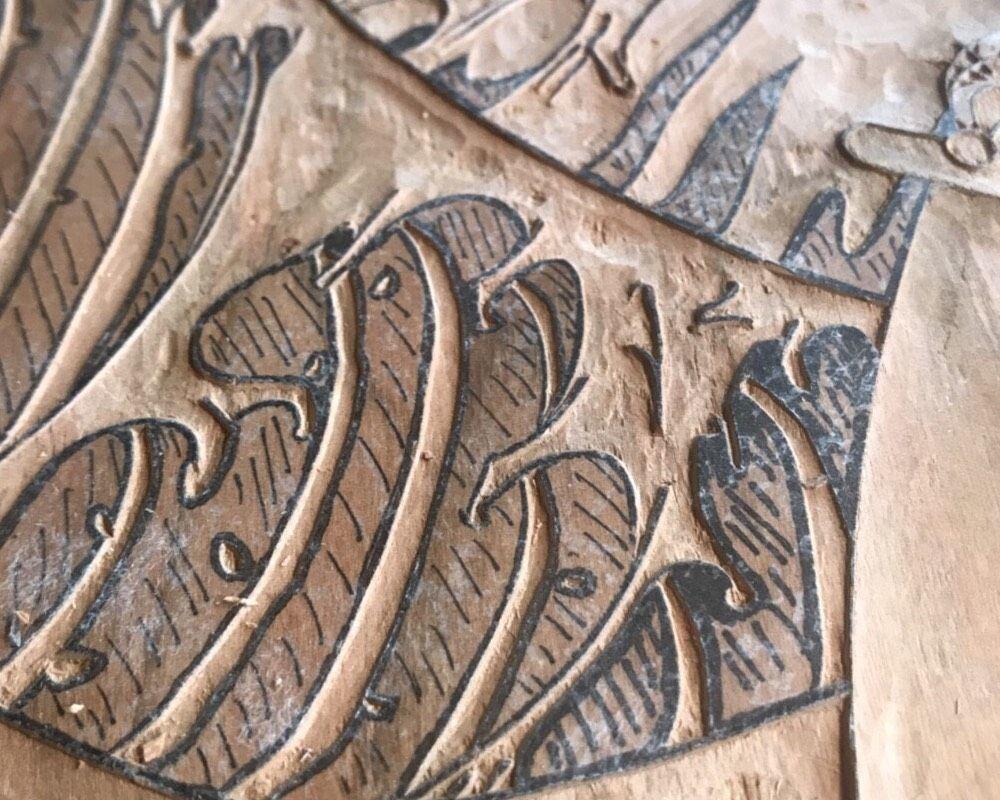 彫り作業風景(1)