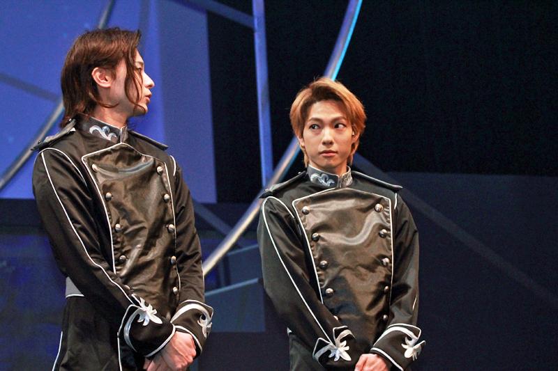 オスカー・フォン・ロイエンタール(左/畠山遼)とウォルフガング・ミッターマイヤー(右/釣本南)は親友でもある