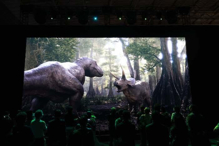 「白亜紀体験シアター」 (C)DinoScience 恐竜科学博製作委員会