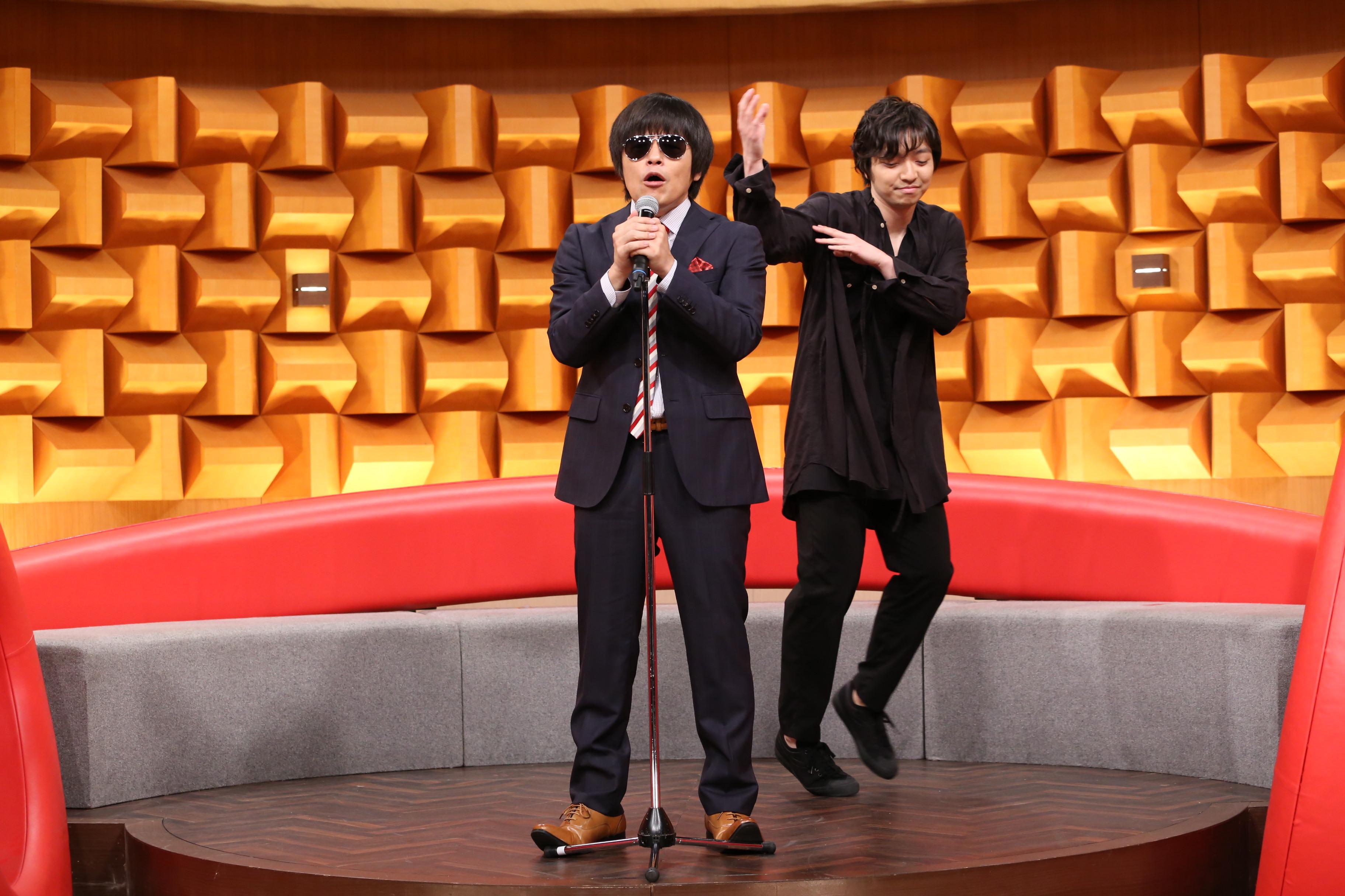 バカリズム、三浦大知  (C)NTV