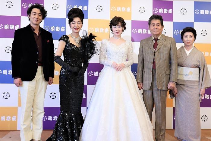 (左から)葛山信吾、高橋惠子、檀れい、古谷一行、山本陽子