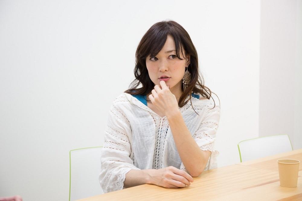 「2B」「A2」を演じた川渕かおり 撮影:大塚正明