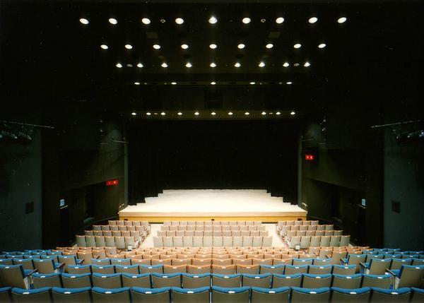 下北沢 本多劇場の公式Twitterアカウント @honda_theater より