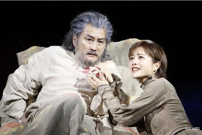 左から)吉田鋼太郎、 石原さとみ(撮影:渡部孝弘)