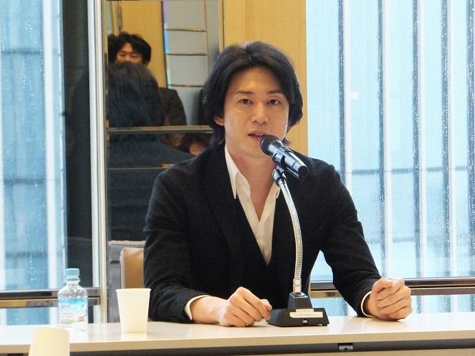 「今回の「海賊」も自信作。ぜひ観て欲しい!」と力を込める (C)Isojima
