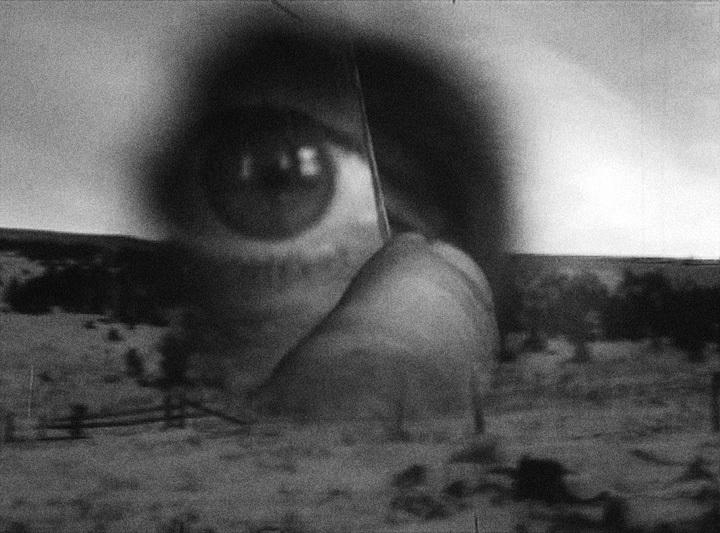 ロバート・フランク『Tunnel』(映像キャプチャ)、カラーと白黒、4分、2005年 ©Robert Frank